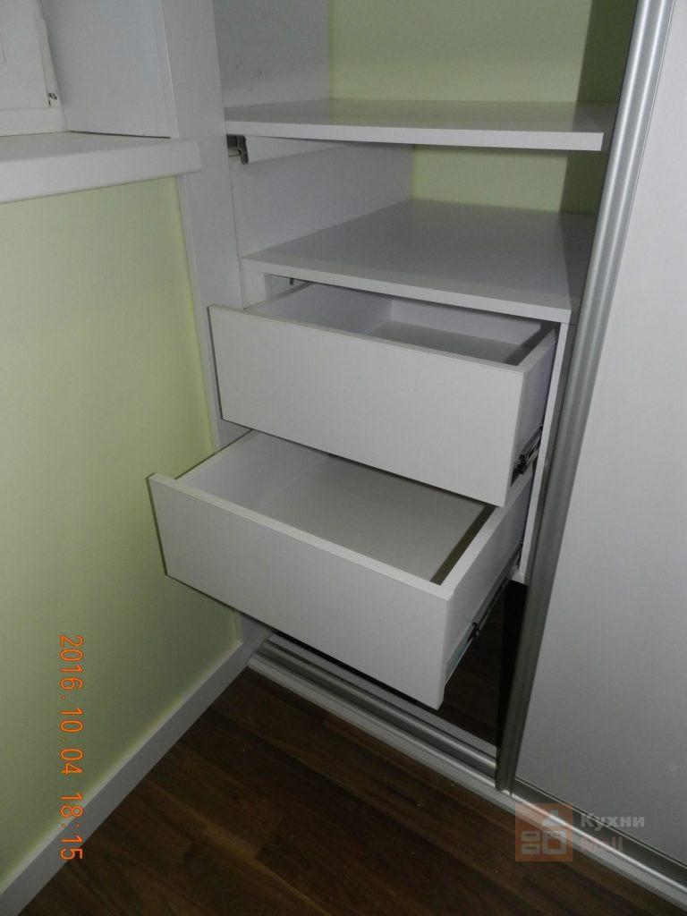 Шкаф-купе в лоджии